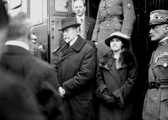 Томаш Гарріг Масарік та його дочка Ольга<br>21 грудня 1918 р.<br>Фото Йосипа Шехтла (Josef Jindřich Šechtl)
