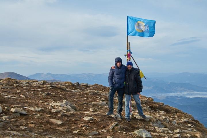 На Говерлі встановлено прапор ГО«Твереза Вінниця»