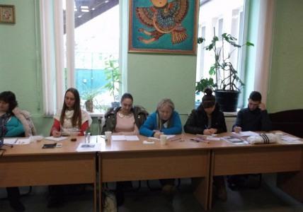 Волонтери пройшли навчання і отримали літературу про тверезий спосіб життя
